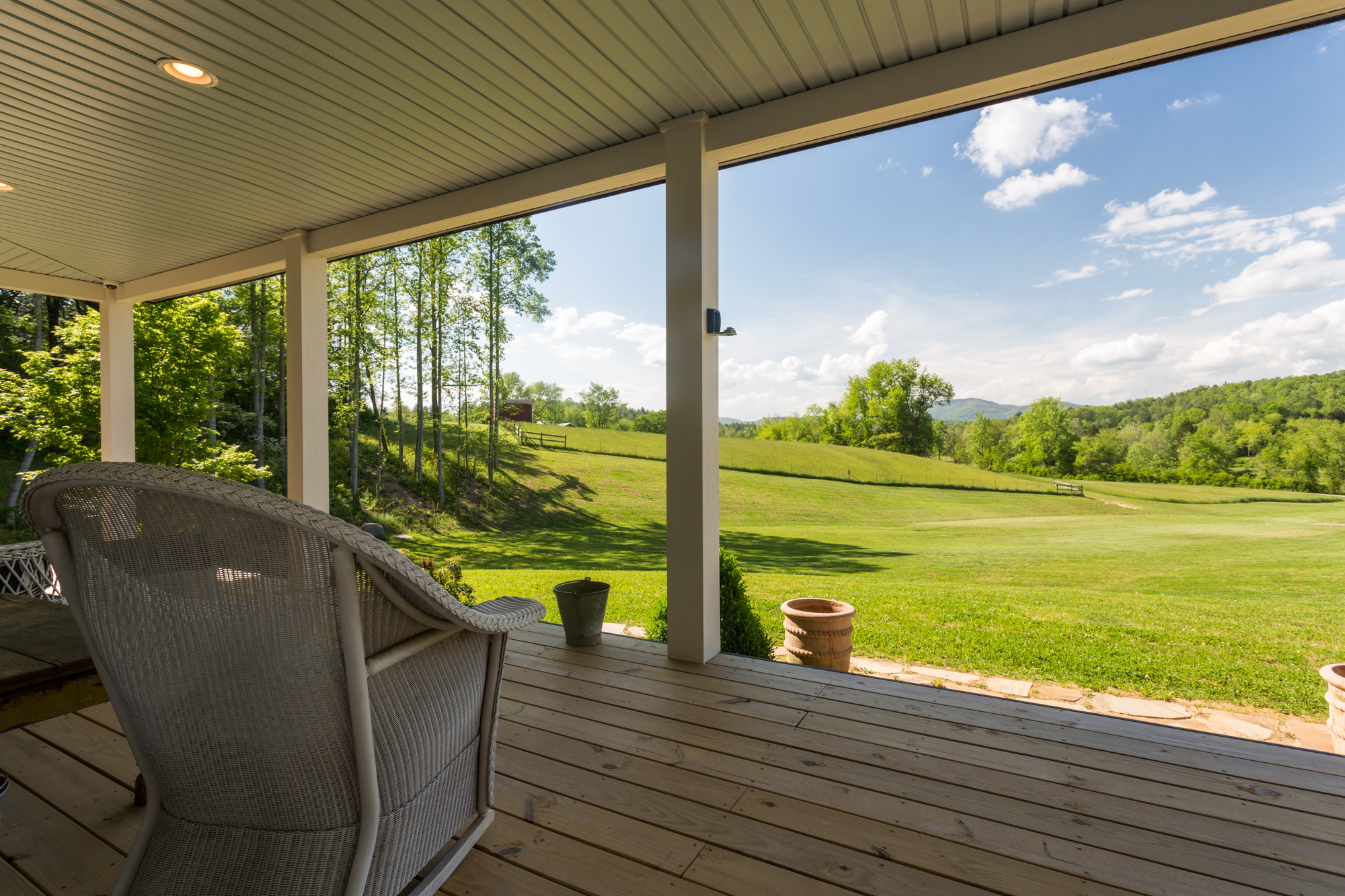 Real estate front porch